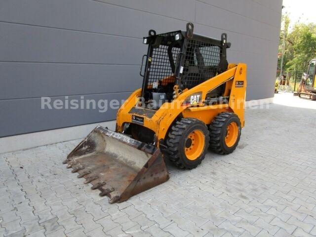 Reisinger-Baumaschinen_cat-216b-radlader_4_v1